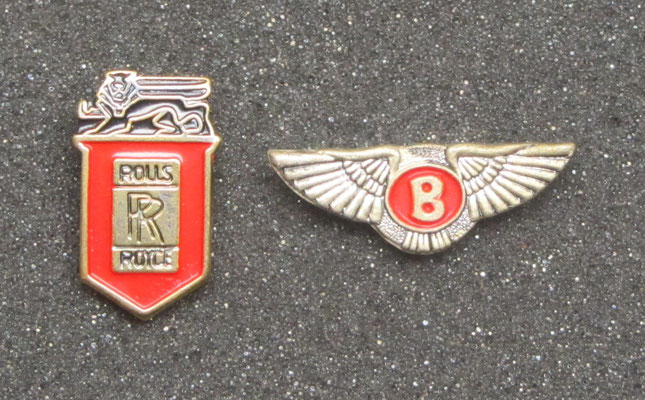 Rolls-Royce en Bentley speldjes.