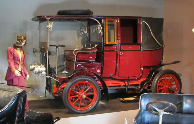Mors 14-19-HP Landaulette Town Car uit 1904. (Louwman Museum in Den Haag)