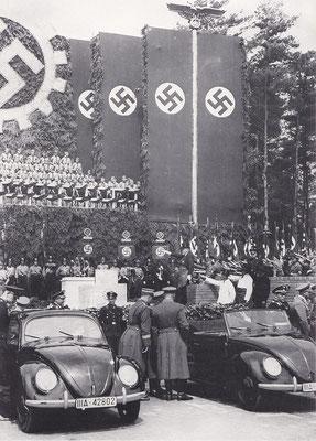 De eerste steen voor de Volkswagen fabriek werd in 1938 gelegd door Hitler.