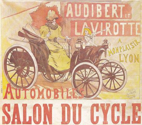 De eerste auto's werden soms op fietsen-tentoonstellingen geëxposeerd zoals ook blijkt uit deze advertentie uit 1896 van Audibert-Lavirotte, één van de eerste Franse productie auto's.