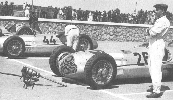 Een Mercedes M 154 bij de Grand Prix van Tripoli in 1938.