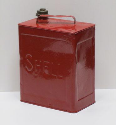 Nederlands 10 l. benzineblik Shell van na 1925.