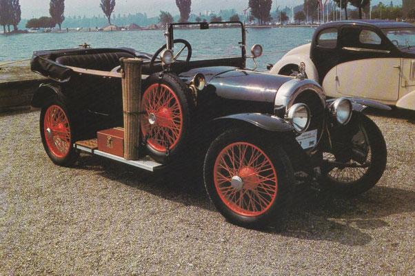 Chenard & Walcker 2-liter toerwagen uit 1922.