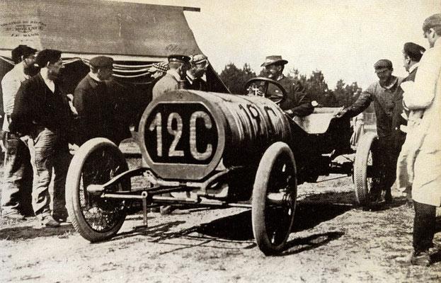 De Amerikaan Shephard met een Hotchkiss in de Franse Grand Prix van 1906.