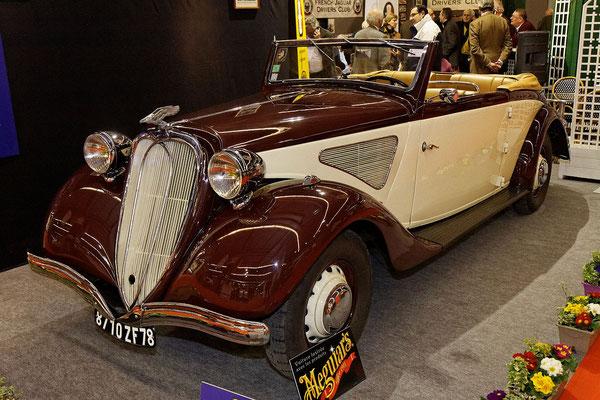Een Chenard & Walcker type T 24 C uit 1936 op de Retromobile Parijs in 2012.