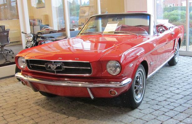 Ford Mustang 289 V8 uit 1965. (Gallery Aaldering)