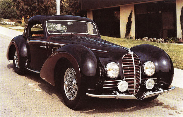 Delahaye 165 met een V12-motor van 160 pk. De carrosserie met een hoogte van nauwelijks 1.20 meter is van Henry Chapron.
