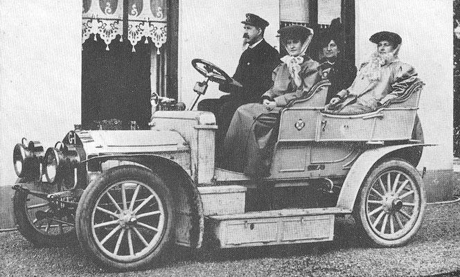Een Spyker uit 1904/1905 met het nummer G1 van de Hilversumse bankier B.G.J. Blancke.
