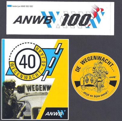 Stickers van ANWB en Wegenwacht.