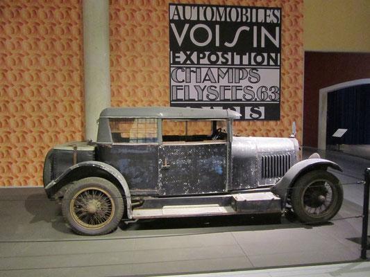Voisin C7 Type Demi-Berline Two-Door uit 1925. (Louwman Museum in Den Haag)