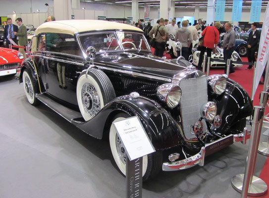 Een Mercedes-Benz 320 Cabriolet B op de Techno Classica 2015 in Essen.