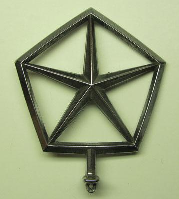 Motorkap ornament van Chrysler.