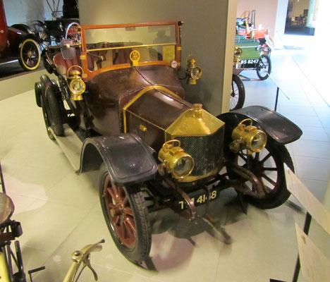 Métallurgique 12HP Cabriolet Vanden Plas uit 1912. (Louwman Museum in Den Haag)