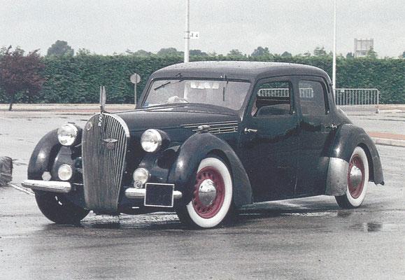 Een Voisin C30 Graham (1938-1939).