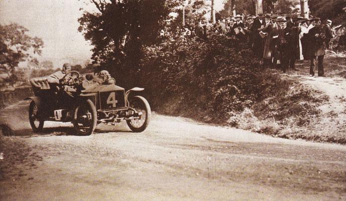 C.S. Rolls won in 1906 de Tourist Trophy race van Isle of Man met een Rolls-Royce Light 20.