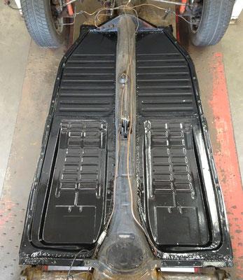 Lasnaden afgewerkt met carrosseriekit en bodemplaten afgelakt.