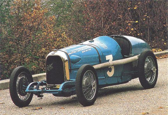 Roland Pilain Grand Prix wagen met een 2-liter 8-cilinder-in-lijn motor en hydraulische vier-wiel remmen die in 1923 meedeed aan de Franse Grand Prix bij Tours.