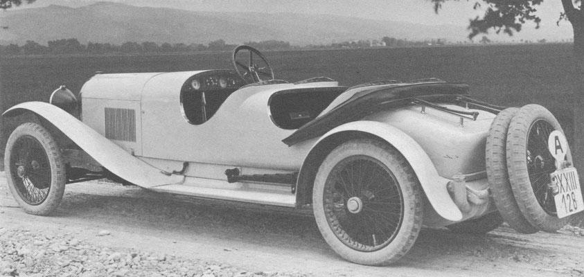 Austro-Daimler ADM Sportwagen met een carrosserie van Köllensberger uit Innsbruck.