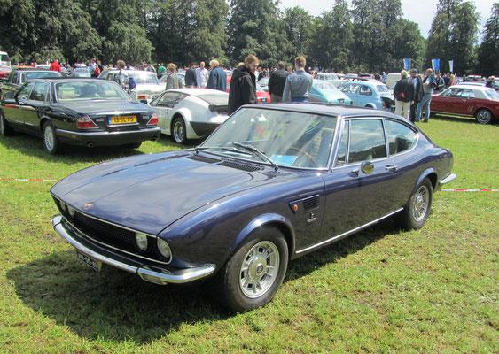 Een Fiat Dino Coupe Bertone uit 1971.