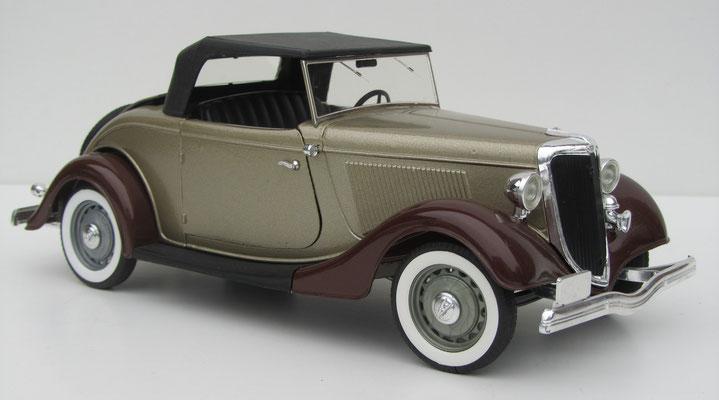 Ford V8 Roadmaster, 1934, Solido, schaal 1:19.