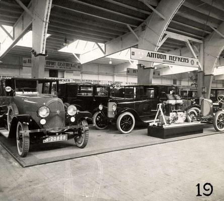 Een Brennabor in de stand van Antoon Nefkens op de RAI-autotentoonstelling in 1924.