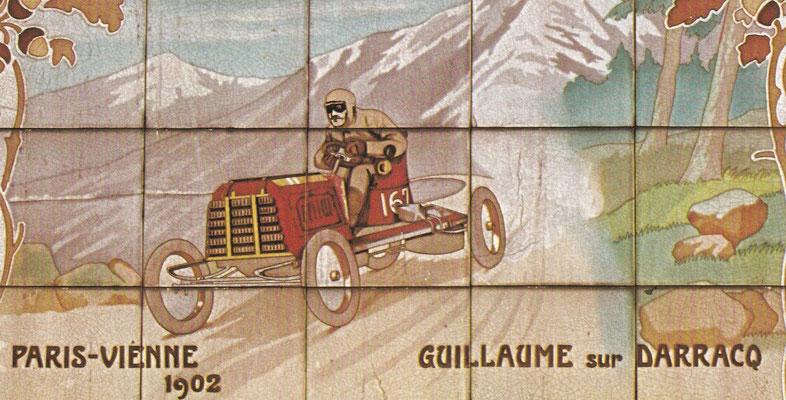 Guillaume met een Darracq tijdens de wedstrijd Parijs-Wenen in 1902.