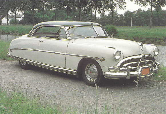 Een Hudson Hornet (1951-1953).