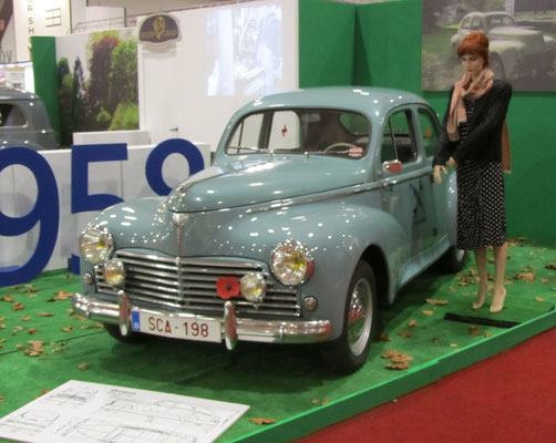 Peugeot Berline 203 uit 1958. (Interclassics Brussels 2018)