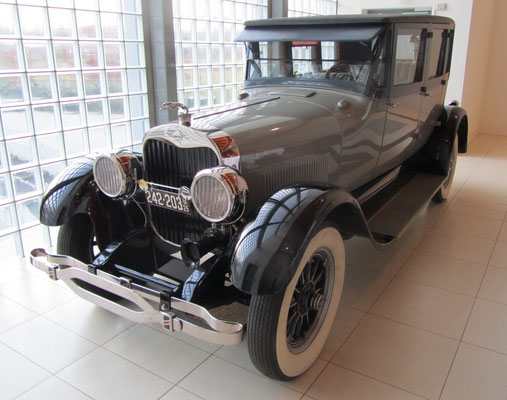 Lincoln Model L Sedan uit 1925. (Louwman Museum in Den Haag)