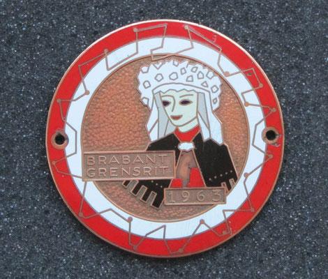 Geëmailleerd embleem van de Brabant Grensrit in 1963.