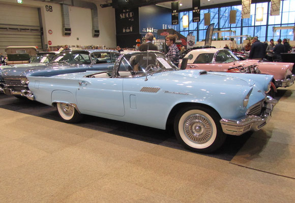 Ford Thunderbird uit 1957. (Interclassics Brussels 2018)