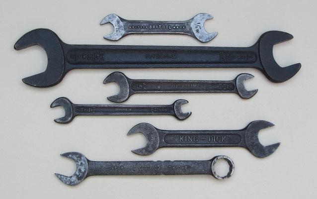Oude sleutels van de Engelse merken Britool, Superslim, King-Dick en Dropstamco.
