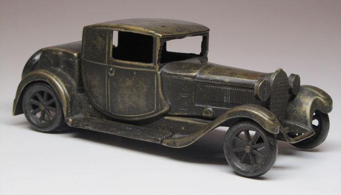 Bugatti Tipo 44 uit 1928 in brons van F.A.L. uit Italië.