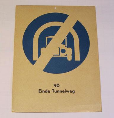 Plaat met de afbeelding en betekenis van een verkeersbord voor gebruik in het verkeersonderwijs.