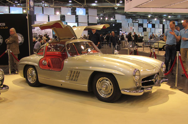 Mercedes-Benz 300 SL Coupé uit 1955. (Techno Classica Essen 2019)