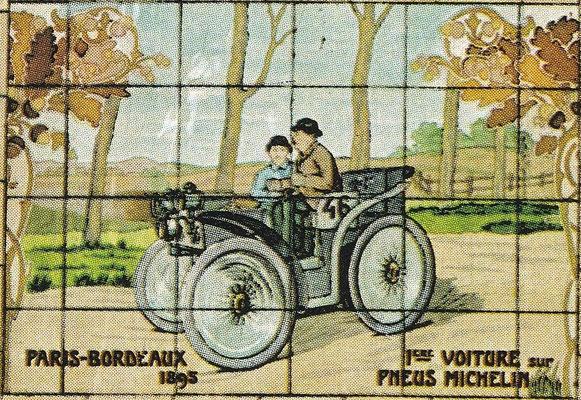 Eerste voertuig met Michelin banden tijdens de wedstrijd Parijs-Bordeaux in 1895.