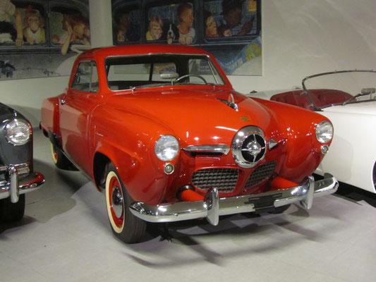 Studebaker Champion Starlight Coupe uit 1950. (Louwman Museum in Den Haag)