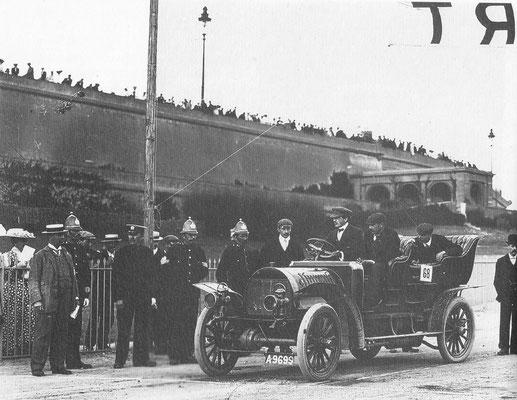 Spyker met vierwielaandrijving in Brighton in 1905.