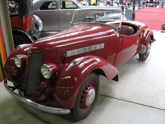Een Imperia TA-8 uit 1948 met een Hotchkiss motor. De productie stopte in 1949.