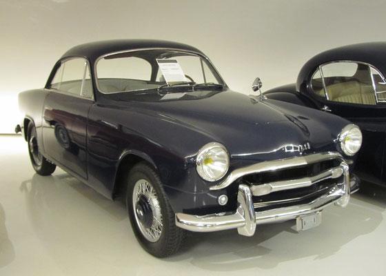 Simca 9 Sport Coupé uit 1953, ontworpen door Pininfarina en gebouwd door Facel Vega. (Gallery Aaldering)