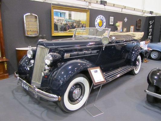 Een Packard op de Techno Classica 2013 in Essen.