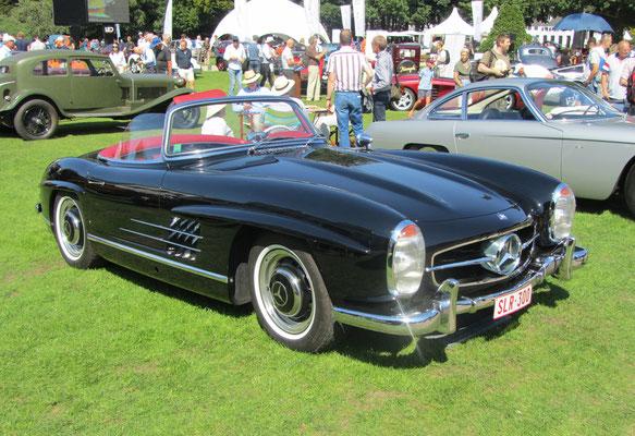 Mercedes-Benz 300 SL Roadster uit 1960. (Concours d'Elegance Paleis Soestdijk 2019)