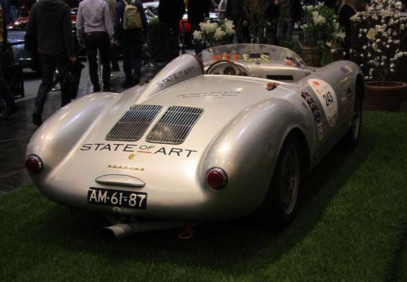 Een Porsche op de Techno Classica in Essen.