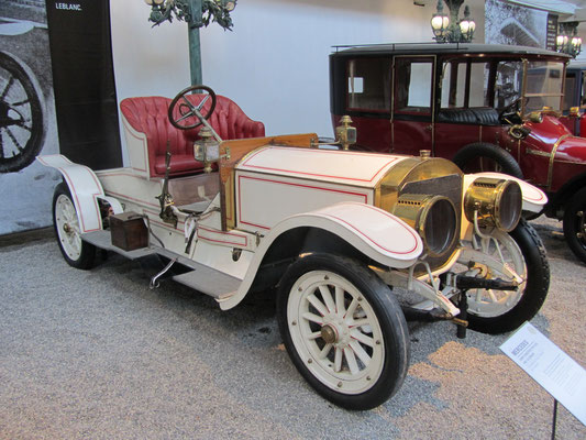 Mercedes Coupé-Chauffeur Type 1430 uit 1909 met een carrosserie van Gläser (Collection Schlumpf).