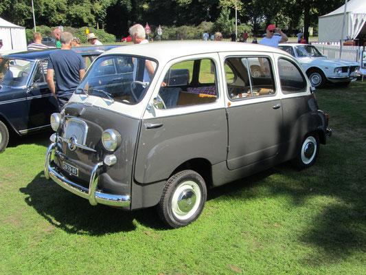 Fiat 600 Multipla uit 1966.