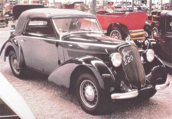 Steyr 220, gebouwd van 1937 tot 1940.