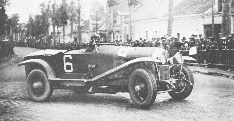 Block met een Lorraine-Dietrich 3,5-liter tijdens de 24 uur van Le Mans in 1926, op weg naar de overwinning.