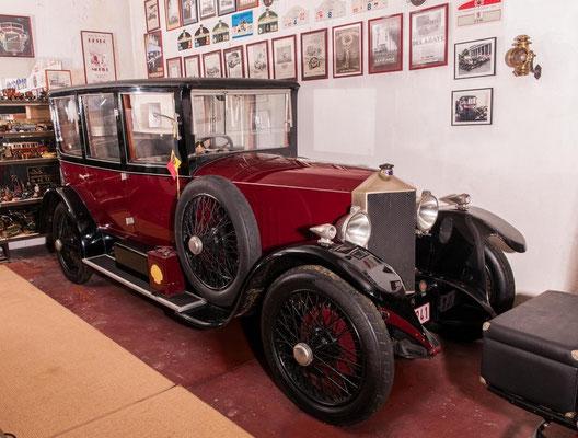 Een Metallurgique 12/15 HP Berline uit 1921.