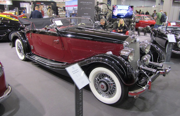 Een Mercedes-Benz 320 Cabriolet A op de Techno Classica 2015 in Essen.