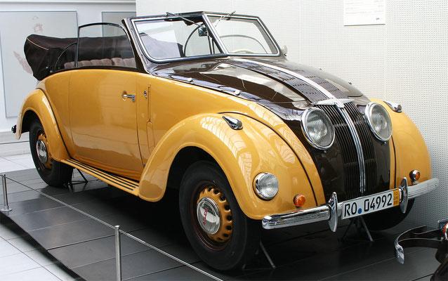 Een Adler 2,5-liter cabriolet.
